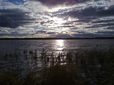 Озеро хмурится
