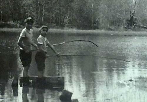 Рыбачим с братом